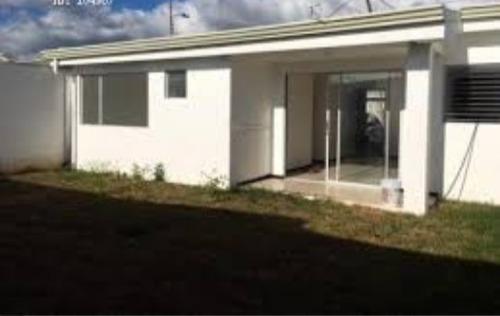 amplio apartamento en condominio con piscina