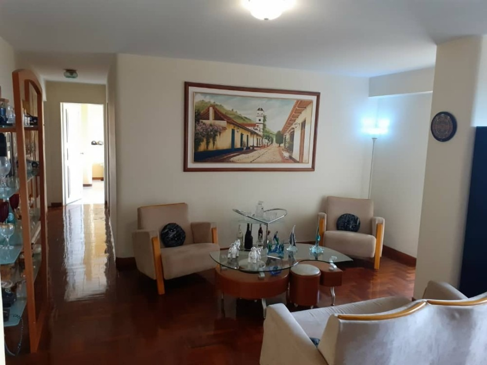amplio apartamento en residencias la alameda san cristobal