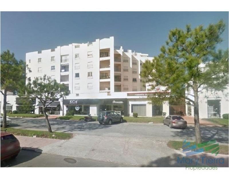 amplio apartamento en venta, zona aidy grill, punta del este -ref:2327