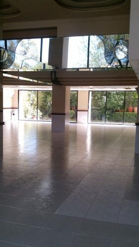 amplio departamento a media cuadra del parque lincoln