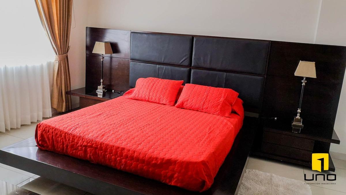 amplio departamento amoblado 4 dormitorios con parqueo