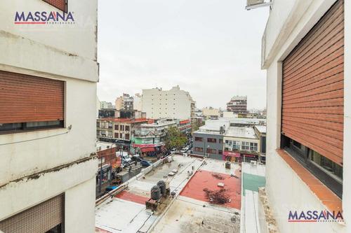 amplio departamento de 102 m2 con balcón. apto crédito