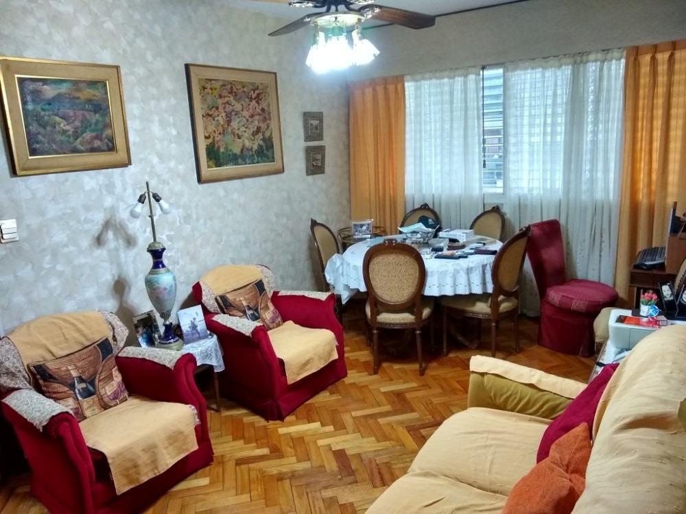 amplio departamento de 4 ambientes en primer piso al frente