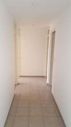 amplio departamento en 3er piso a una cuadra de av. universidad y centro coyoacán