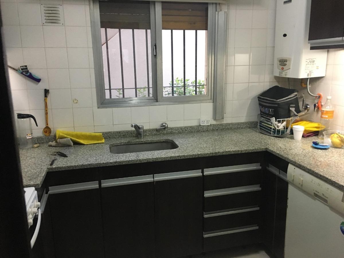 amplio departamento frente 3 ambientes 2 baños con cochera