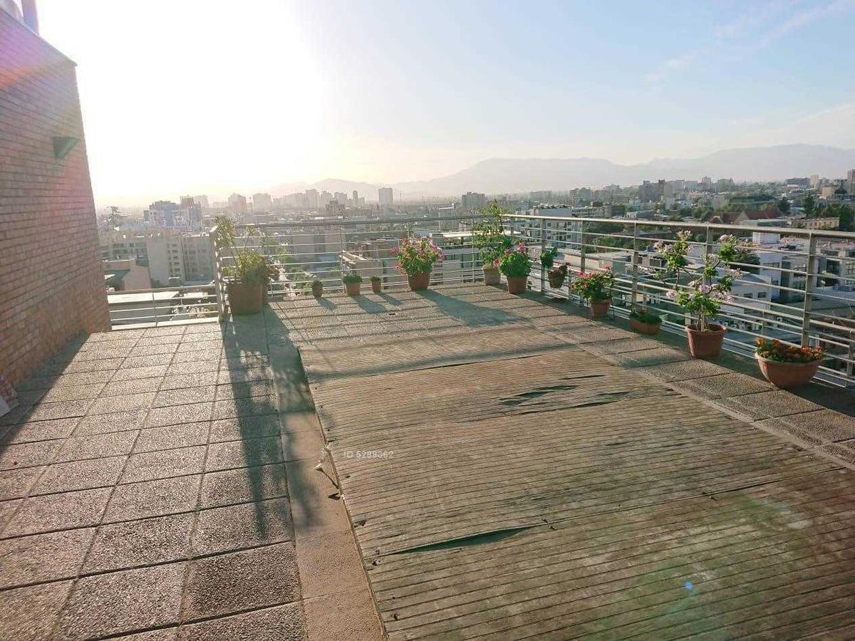 amplio estudio amoblado + terraza metro los héroes