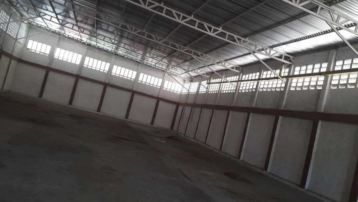 amplio galpón de 709 m2, ubicado en puerto cabello. zona ind