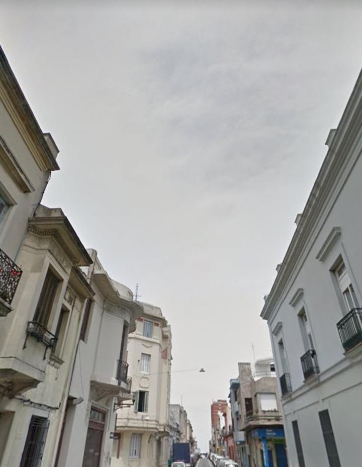 amplio galpón en ciudad vieja