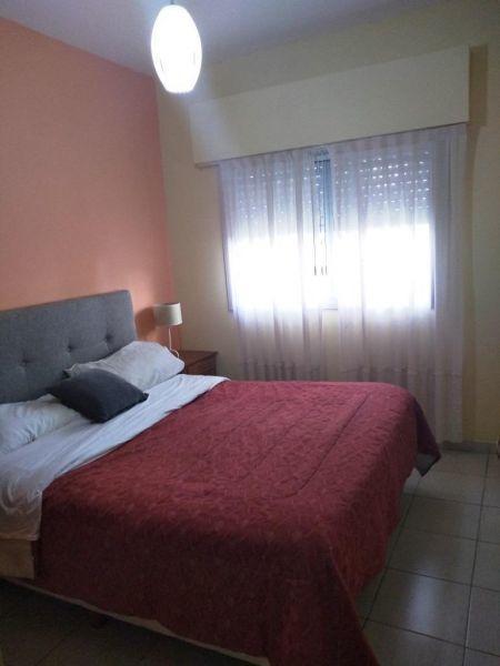 amplio jardín con parrilla / 2 dormitorios / a 100 mts. de a