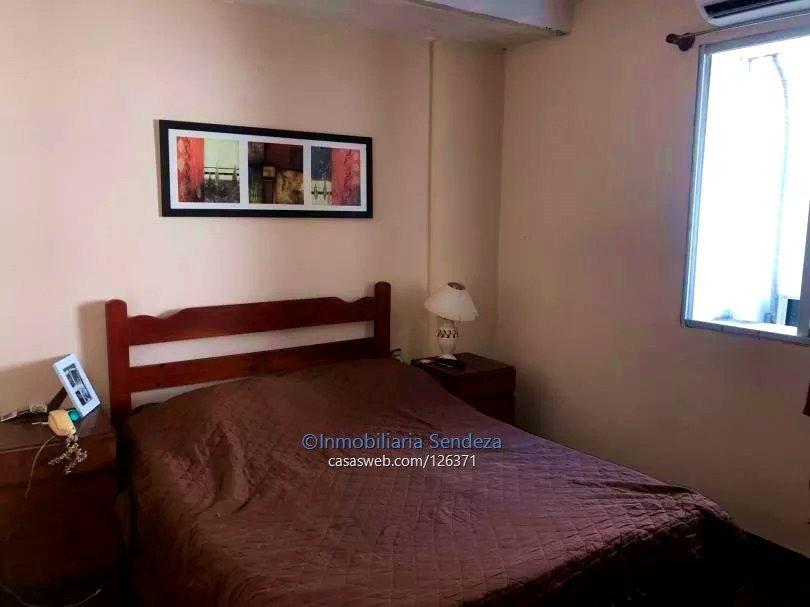 amplio local comercial con vivienda de 2 dormitorios