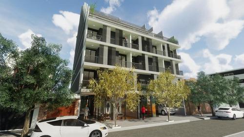 amplio local en construcción en el corazón de barrio gral paz. lanzamiento!