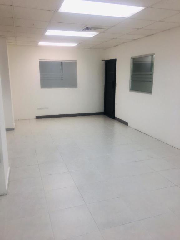 amplio local para oficina, 202 mts