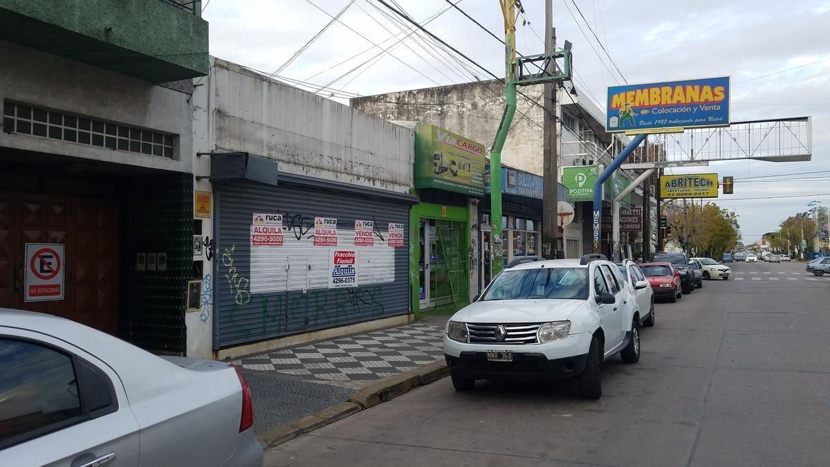 amplio local sobre avenida