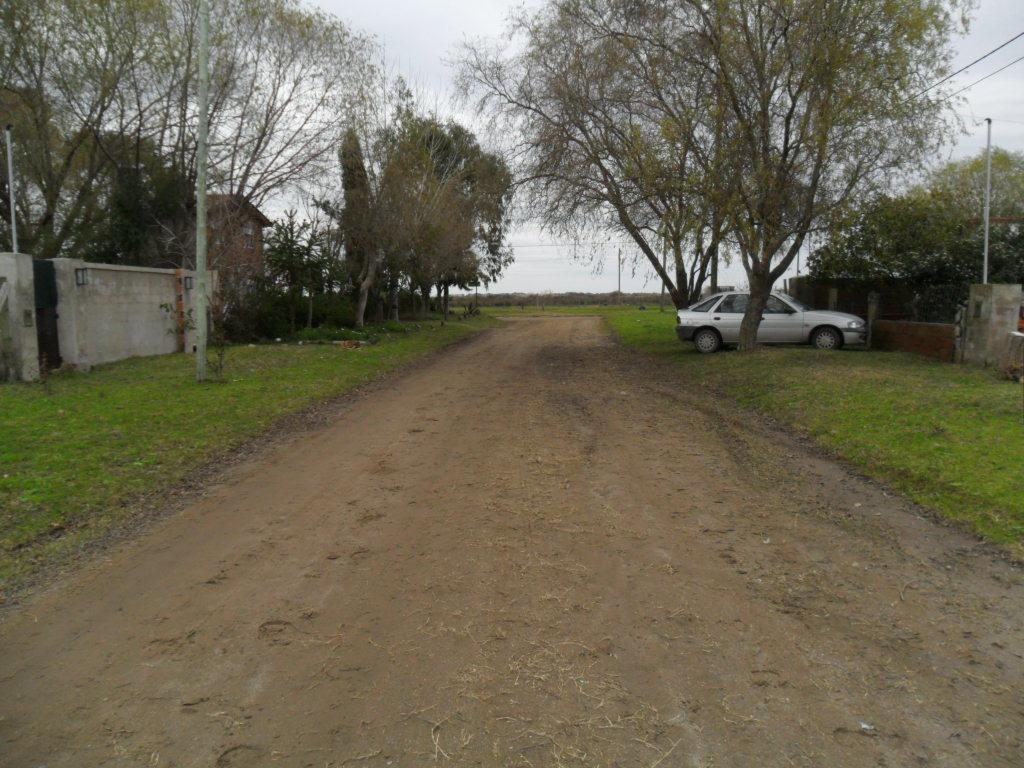 amplio lote, en calle 35 e- 9 y av. naval (cod. 1019)