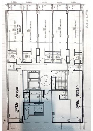 amplio monoambiente de 75 m2 divisible apto profesional.