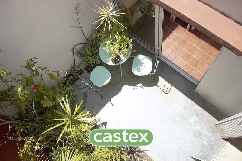 amplio ph con patio y terraza propia superi al 1100