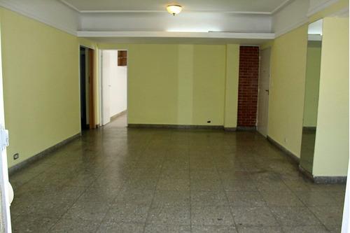 amplio ph de 4 ambientes con 2 balcones