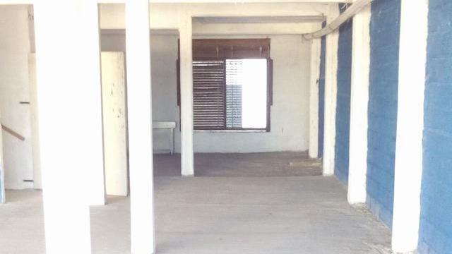 amplio salon apto oficinas