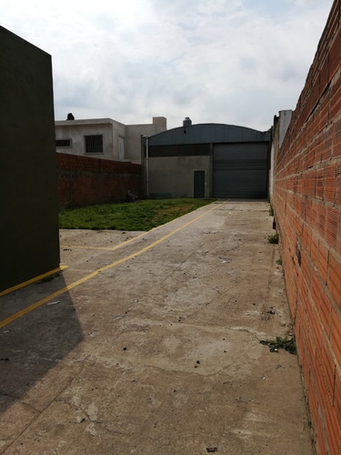 amplio terreno con galpon 100m2 + oficina