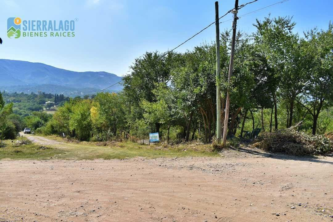 amplio terreno en esquina de brasil y paraguay, el dominador. ciudad de la falda.