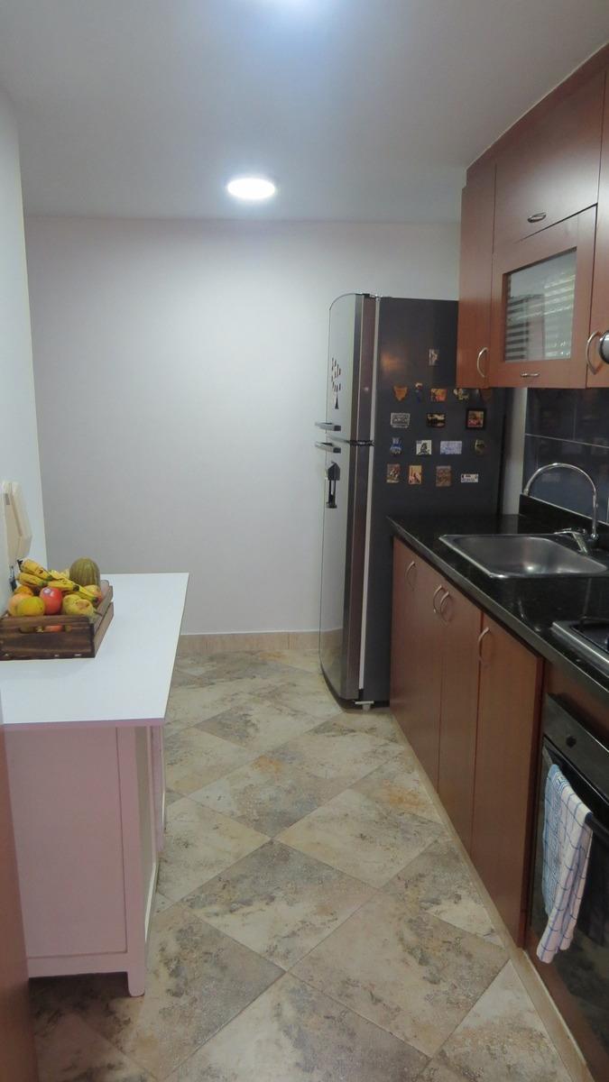 amplio, tranquilo y muy iluminado apartamento