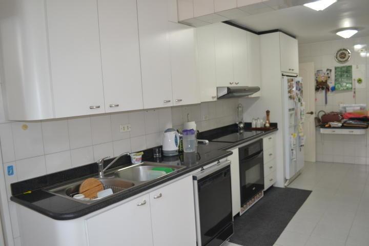 amplio, ventilado e iluminado apartamento