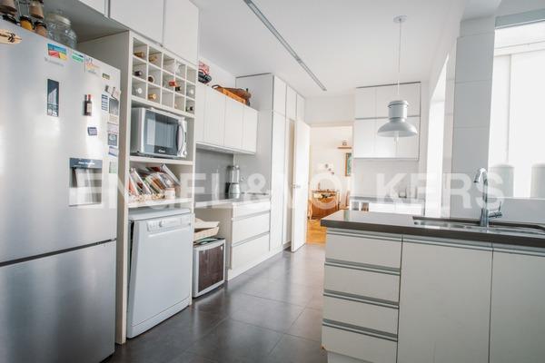 amplio y luminoso apartamento en pocitos