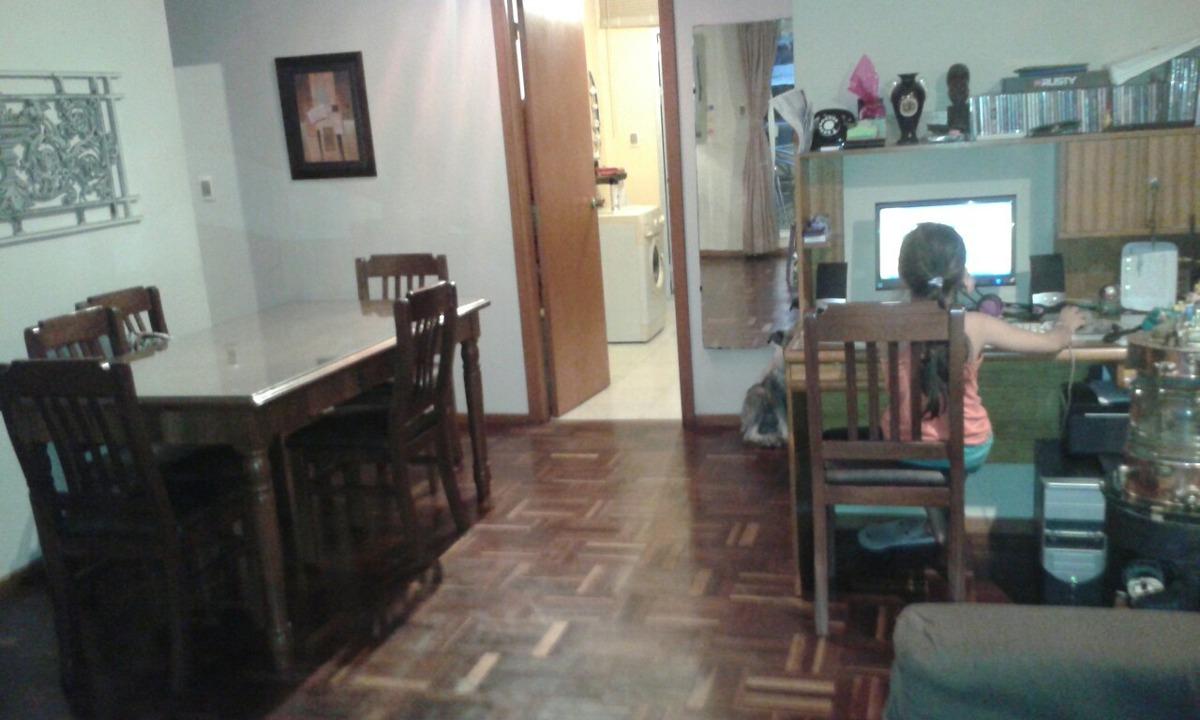 amplio y luminoso apto. 3 dorm, 2 baños y cocina definida.