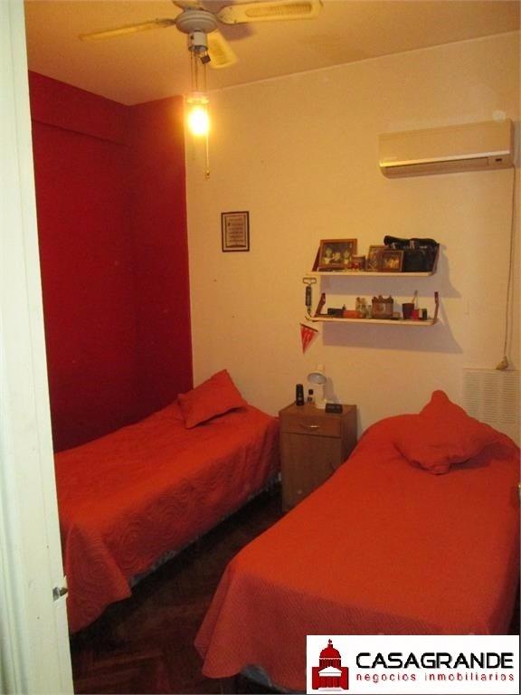 amplio,luminoso, 3 dormitorios, 2 baños, si banco!!!
