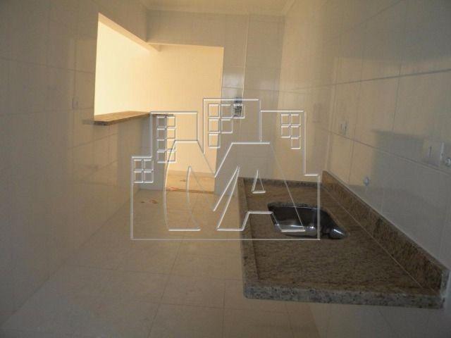 amplo apartamento com 03 quartos no melhor bairro da praia grande