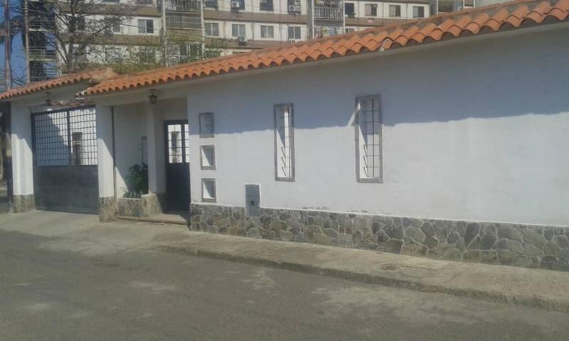 ana rodriguez casa en venta en paraparal código 19-8622
