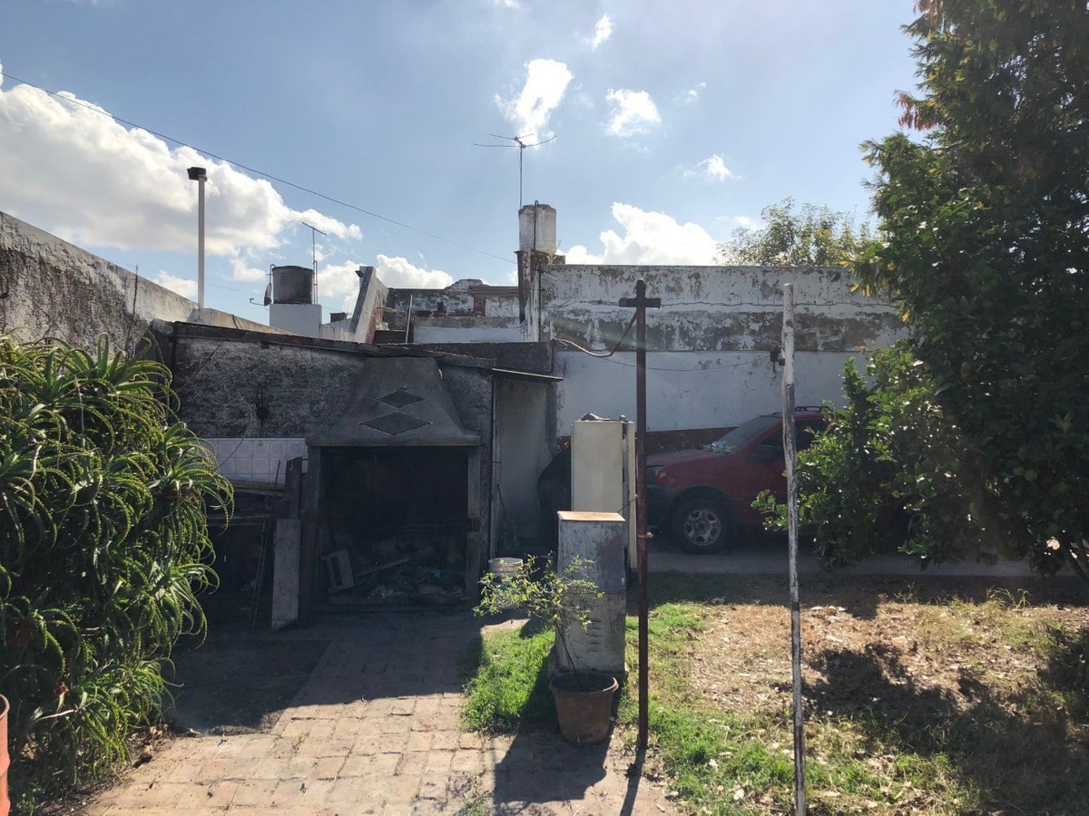 anchoris 4383, esquina ambrosetti, isidro casanova