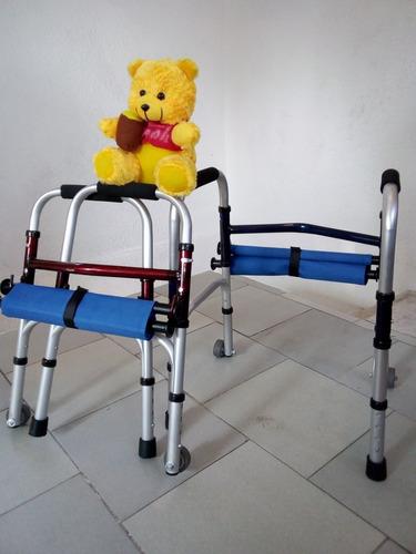 andadera infantil c/asiento plegable y ruedas azul y roja