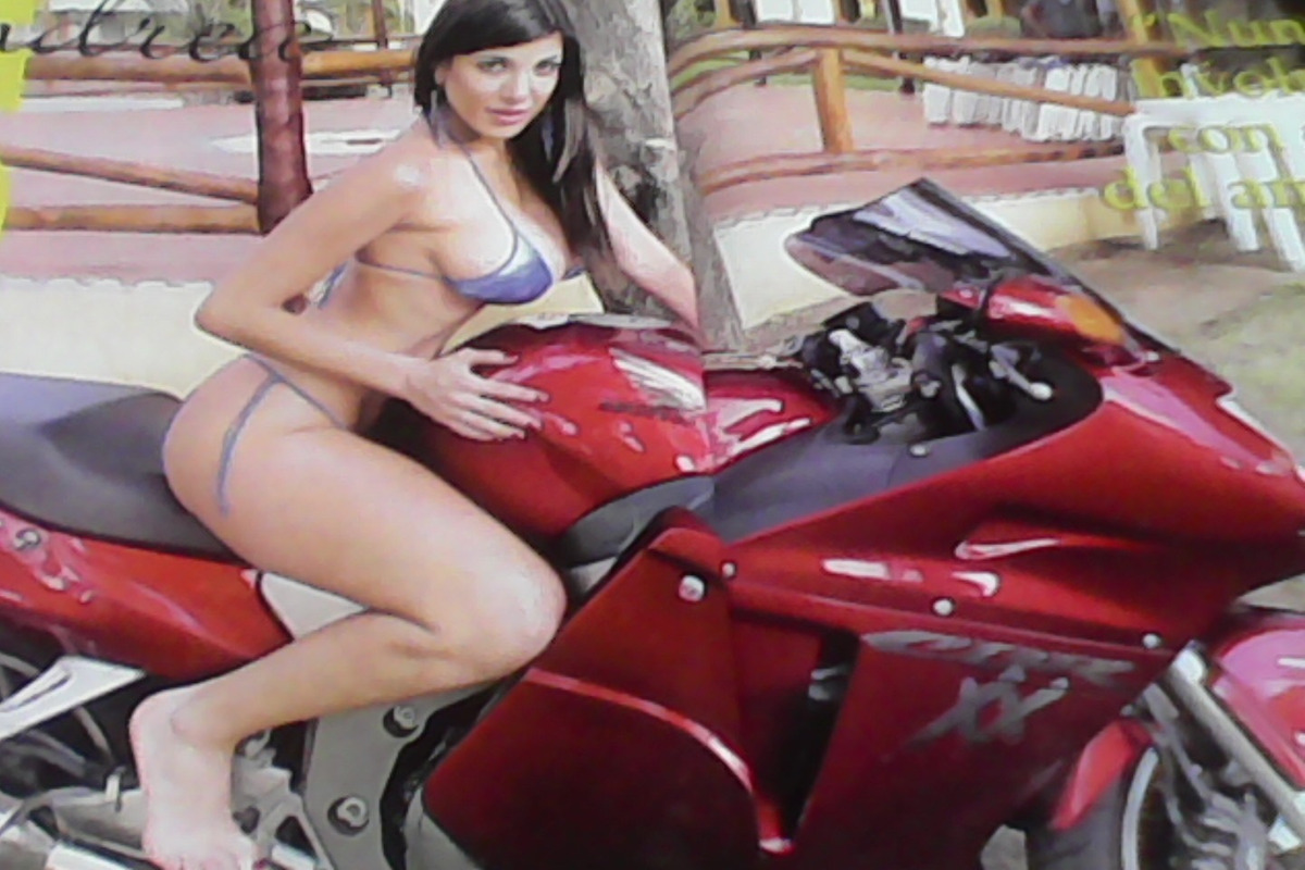 Andrea Rincon Sexy andrea rincón-super sexy-en bikini-4 paginas -año 2010-unica - $ 359,90