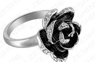 anel black rose