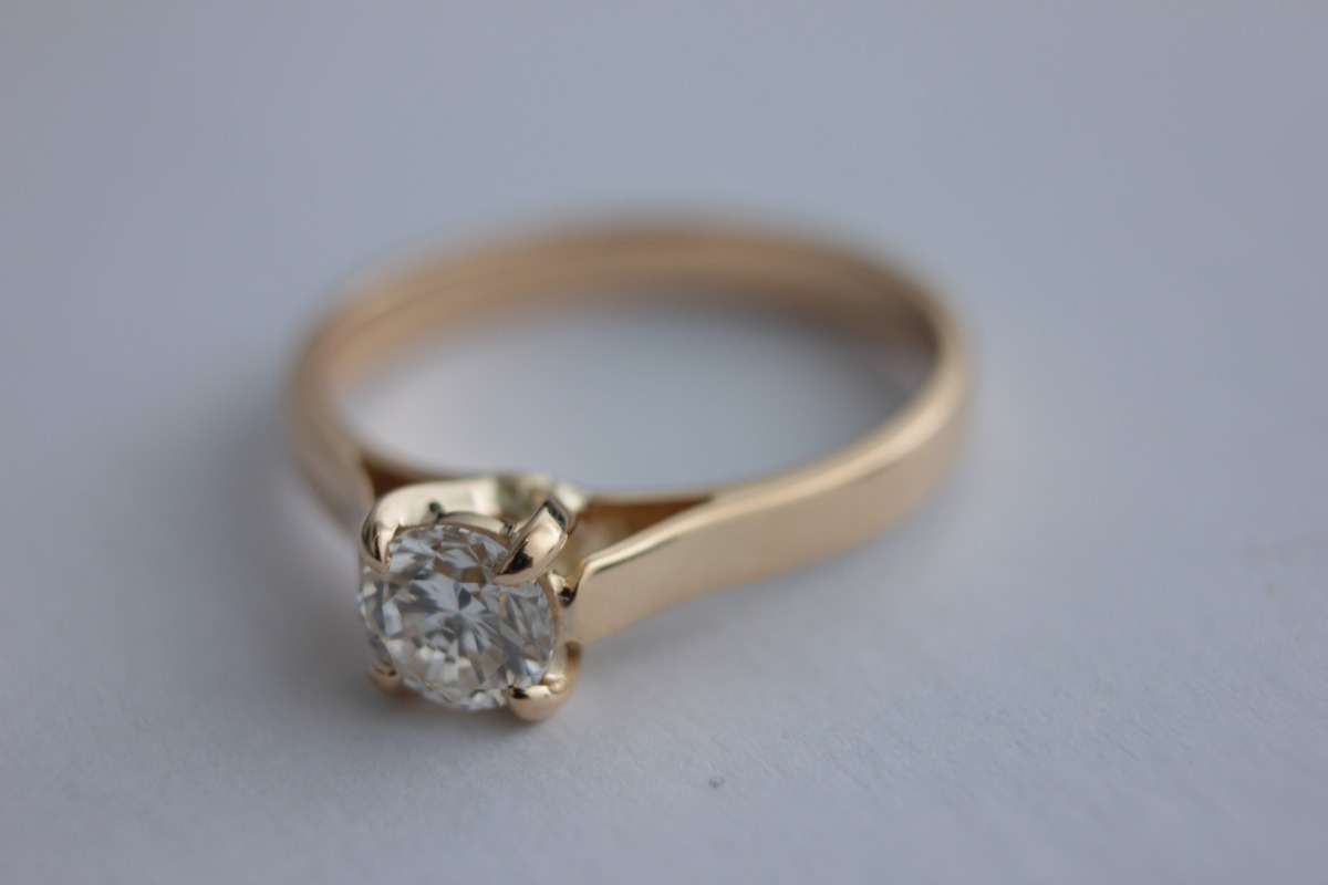 025682d308a Anel Cartier Diamante   Ouro 0.30ct - Modelo Luxo - R  5.990