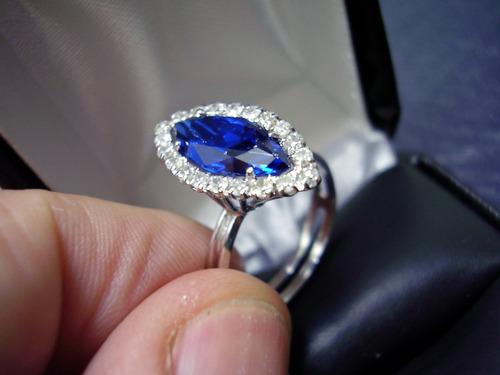 anel com diamantes ( lindissimos) !! em ouro branco !!