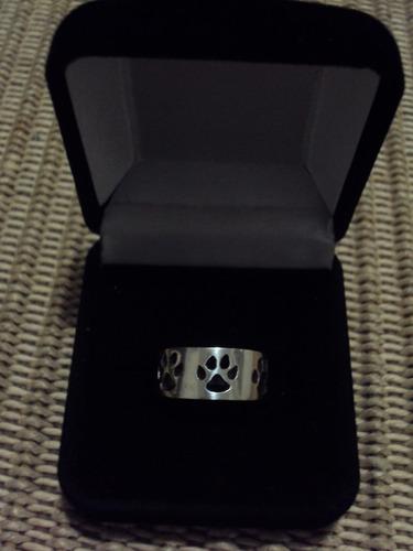 anel com patas, em prata 950.