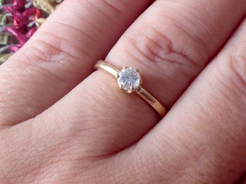 anel de ouro 18k com diamante 30 pontos.