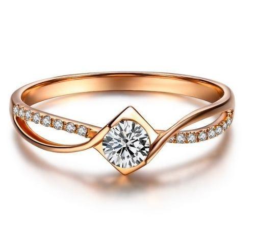 Anel De Ouro 18k Solitário Noivado E Diamante De 15 Pontos - R ... 384db30c68