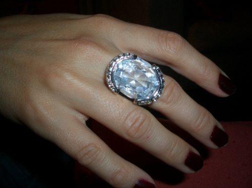 anel de pedra branco