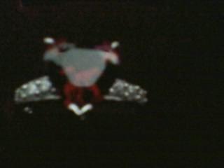 anel de prata 925 com banho de ródio e zircônia vermelha