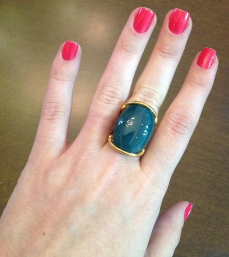 anel dourado com pedra verde - c.590