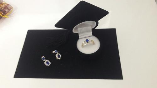 anel e brinco de prata com detalhes de ouro 18k (pedagogia)