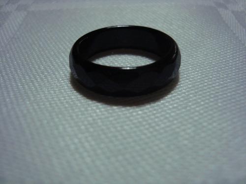 anel em ágata facetada.
