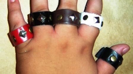 anel em couro tipo artesanal, couro com 20