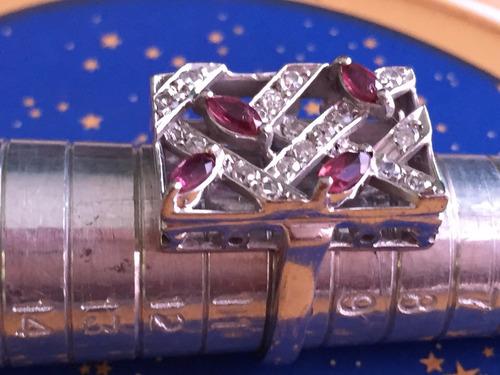 anel em ouro 18k-branco, 6.1 gr.aro: aro10, com diamantes e rubis.