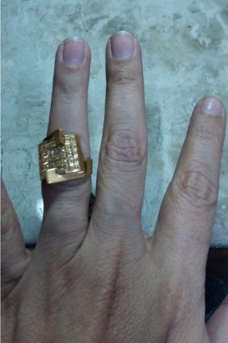 anel em ouro 18kt, cravejado de brilhantes