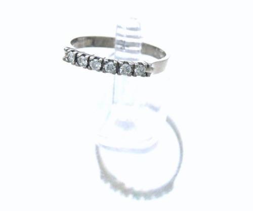 anel em ouro branco com 6 brilhantes de 3 pontos cada j7482