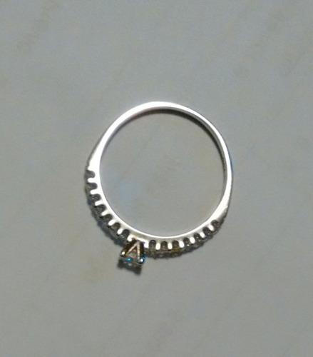 anel em ouro branco com diamantes